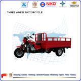 Tre motocicli del carico della rotella