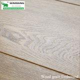 الخشب نسيج عميق تنقش و هاندسكرابيد النيابة العامة مغلفة الأرضيات