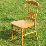 Weißer Harznapoleon-Stuhl
