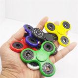 Fileur drôle de personne remuante de jouets avec le fileur coloré de main d'étincelle de DEL