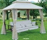 蚊帳が付いているデラックスな振動椅子