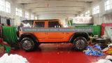 Grande automobile gonfiabile della land rover per fare pubblicità
