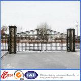 Puerta del parque de los ciervos del hierro labrado