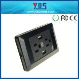 Schwarzweiss wir USB-Wand-Kontaktbuchse und Schalter
