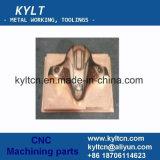 CNC, der Plastikteile/Werkstücke/Produkte maschinell bearbeitet