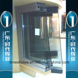 Алюминиевое сползая окно с по-разному панелями и следами сползать