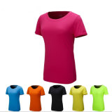 As mulheres cor-de-rosa da cor Short o t-shirt das luvas