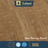 La noix de chêne d'érable V-Grooved imperméabilisent le plancher en bois en stratifié