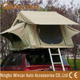 Tenda di campeggio con la tenda laterale