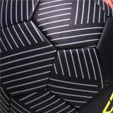 Balón de fútbol más fresco negro de la talla 5 del diseño de la textura