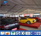 Tienda grande de la carpa para el Car Show de la feria profesional
