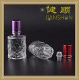 Broodje op de Fles van het Parfum van het Glas met Kroonkurk van het Aluminium En de Bal van de Rol van het Roestvrij staal