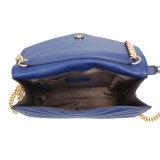 여자를 위한 어깨에 매는 가방의 자수와 금속 결박 디자인을%s 가진 최신 고전