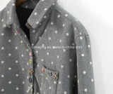 Camicia grigia delle donne dei puntini di Polka