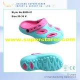 Le double trou EVA de gosses de couleur de son coloré du classique deux encrasse des chaussures