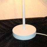 Lâmpada de tabela branca decorativa da cabeceira da forma da flor do ferro da sala de visitas