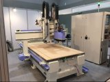 Holzbearbeitung CNC-Fräser-Tür, die Hochleistungsmaschine Ua-482 herstellt
