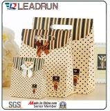 Druck-Papier-Einkaufen-Geschenk-Handfördernder überzogener Kunstdruckpapier-Träger-kosmetischer Schmucksache-Verpackungs-Beutel Brown-Kraftpapier mit Baumwollnylonseil (E30)