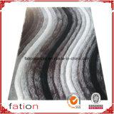 O arco-íris colore o tapete 100% macio do poliéster do quarto da forma