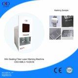 Mini máquina de la marca del laser de la fibra del lacre con la puerta automática