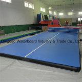 大きいサイズの膨脹可能な空気トラック工場体操の床の適性のマット