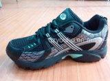 Ход спорта ботинок людей цветов способа черный (YHS023)