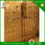 Portas inoxidáveis do banheiro do gabinete de banheiros gravura a água-forte do espelho da chapa de aço da decoração Home que pintam o revestimento da cor com preço de grosso