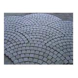 Pietra poco costosa del cubo del granito (con rete per pavimentazione esterna)
