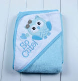 Toalla del algodón para el bebé con el capo motor