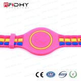 Forme el Wristband con estilo de RFID con el material de TPU