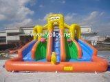 プールが付いている膨脹可能な水スライド