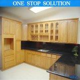 Cozinha luxuosa elegante da madeira contínua de Pólo