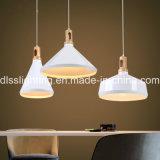 食堂のためのReplicalアルミニウムそして木製のペンダント灯