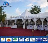 Grande tenda della tenda foranea dell'alto picco per attività di cerimonia nuziale del partito