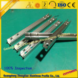 CNC die het Profiel van de Uitdrijving van het Aluminium machinaal bewerken