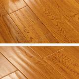 Plancher de chêne blanc avec le plancher en bois de Handscrpaed de couleur de souillure