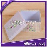 ふたが付いている優雅なシンプルな設計のギフトの包装の紙箱