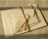 La alta calidad diseñó sobres en diversas dimensiones de una variable con la decoración