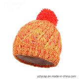 Шлем Beanie шлема POM POM Knit шлема Beanie изготовленный на заказ связанный шлемом