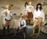 Милые женские манекены для платья магазина