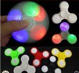 Venta caliente del hilandero 2017 de la mano del juguete de la persona agitada de la luz del LED (SZHS001)
