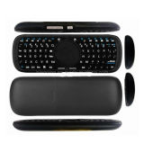 mini clavier 2.4G sans fil tenu dans la main avec la souris de touchpad