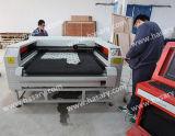 Cortadora auto del laser de la tela que introduce para hacer la ropa