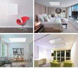 天井によって取付けられる赤外線暖房のパネル、以下にヒーター、赤外線パネル・ヒーター