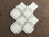 Azulejo de mosaico de mármol blanco del diseño Waterjet de la flor