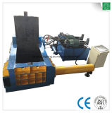 機械をリサイクルする鋼鉄スクラップの梱包機