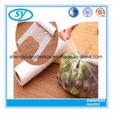 Bon sac en plastique de vente de nourriture sur le roulis