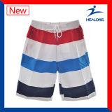 Shorts feitos sob encomenda dos troncos de nadada do Mens da praia da placa