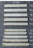 Il bordo dell'angolo di profilo del testo fisso delle mattonelle di ceramica mura il testo fisso delle mattonelle