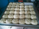 Het roestvrij staal Baozi Momo stoomde Gevuld Broodje Vormt Machine